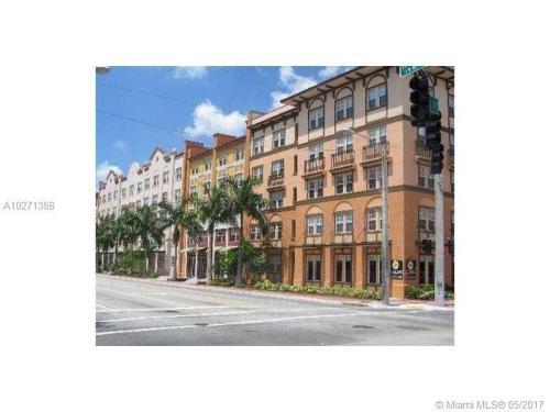 533 NE 3rd Avenue Photo 1