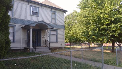 804 E Alder Street Photo 1