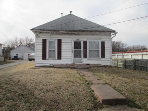 1806 Walnut Street Photo 1