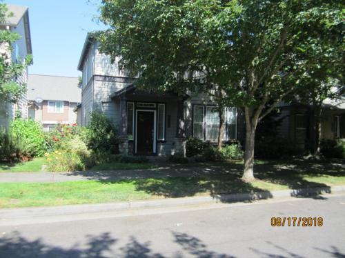 5037 N Cecelia Street Photo 1