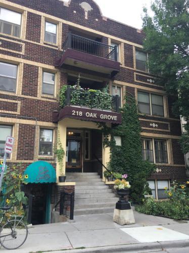 218 Oak Grove Street Photo 1