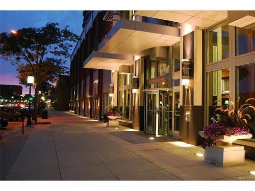 411 S Old Woodward Avenue Photo 1