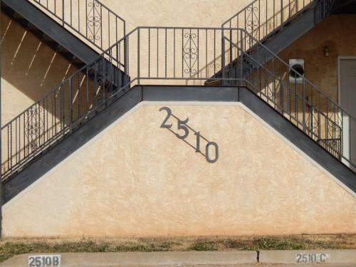 2510 E 7th Street #ACD Photo 1