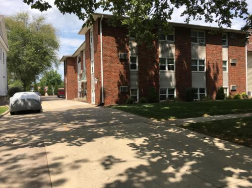 614 E Jefferson Street Photo 1