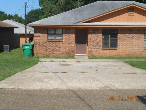 1105 Pierre Street Photo 1