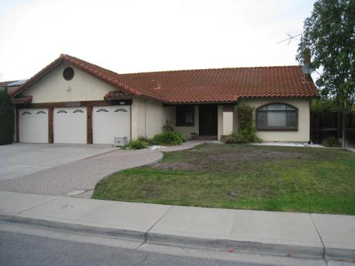 609 Los Pinos Avenue Photo 1
