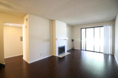 3530 Oakwood Terrace Photo 1