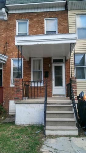 3172 Ravenswood Avenue Photo 1