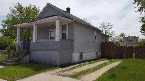 952 Sibley Street Photo 1