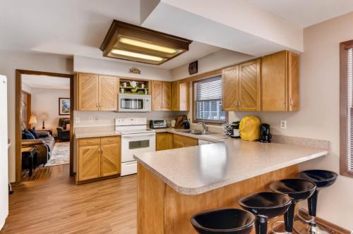 4055 N Waggoner Road Photo 1