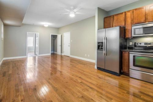 4370 Manchester Avenue #2ND FLOOR Photo 1