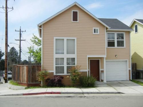 9365 Vista Court Photo 1