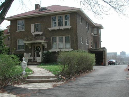 504 W High Street #C Photo 1