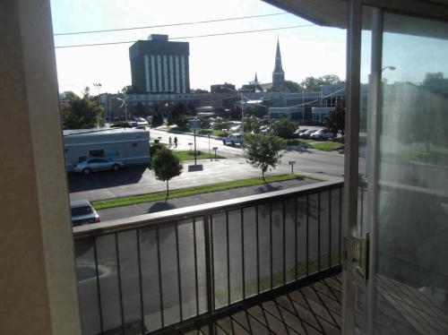 150 Clinton Street Clinton Court Apartments #E1 Photo 1