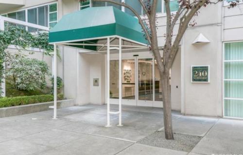 240 Lombard Street Photo 1