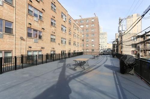 625 W Wrightwood Avenue Photo 1