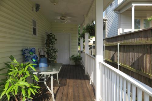 5838 Orleans Avenue Photo 1