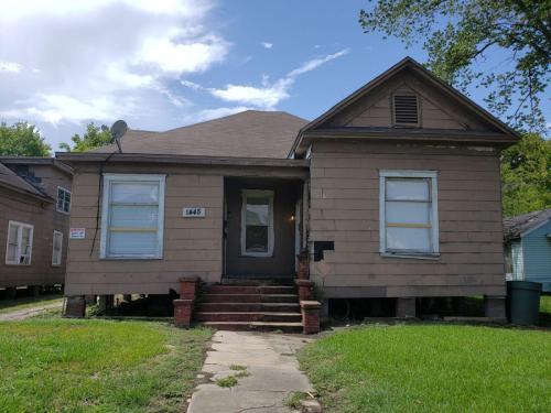1445 Magnolia Street #145 A Photo 1