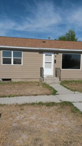 418 N 3rd Street E Photo 1