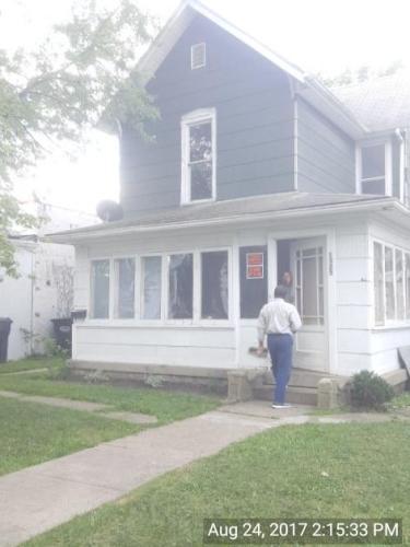 1325 Pearl Street Photo 1