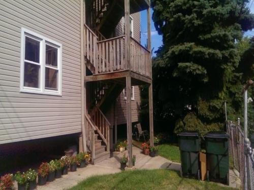 2327 W Winnemac Avenue Photo 1