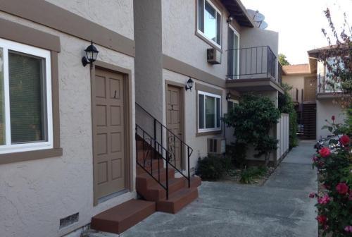 1595 Brookvale Drive #2 Photo 1