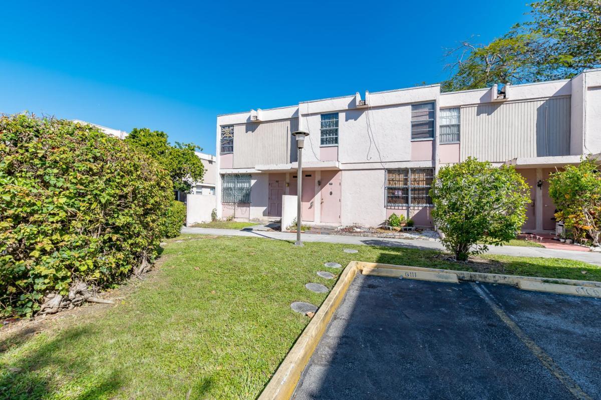 6117 SW 69th Street Apt 44, Miami, FL 33143 | HotPads