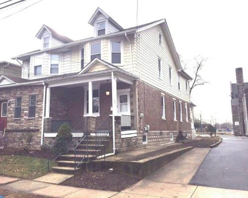 838 Maple Avenue Photo 1