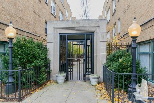 6855 W Wrightwood Avenue Photo 1