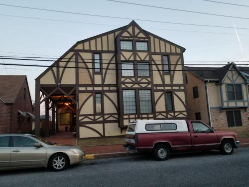 26 Library Street Photo 1