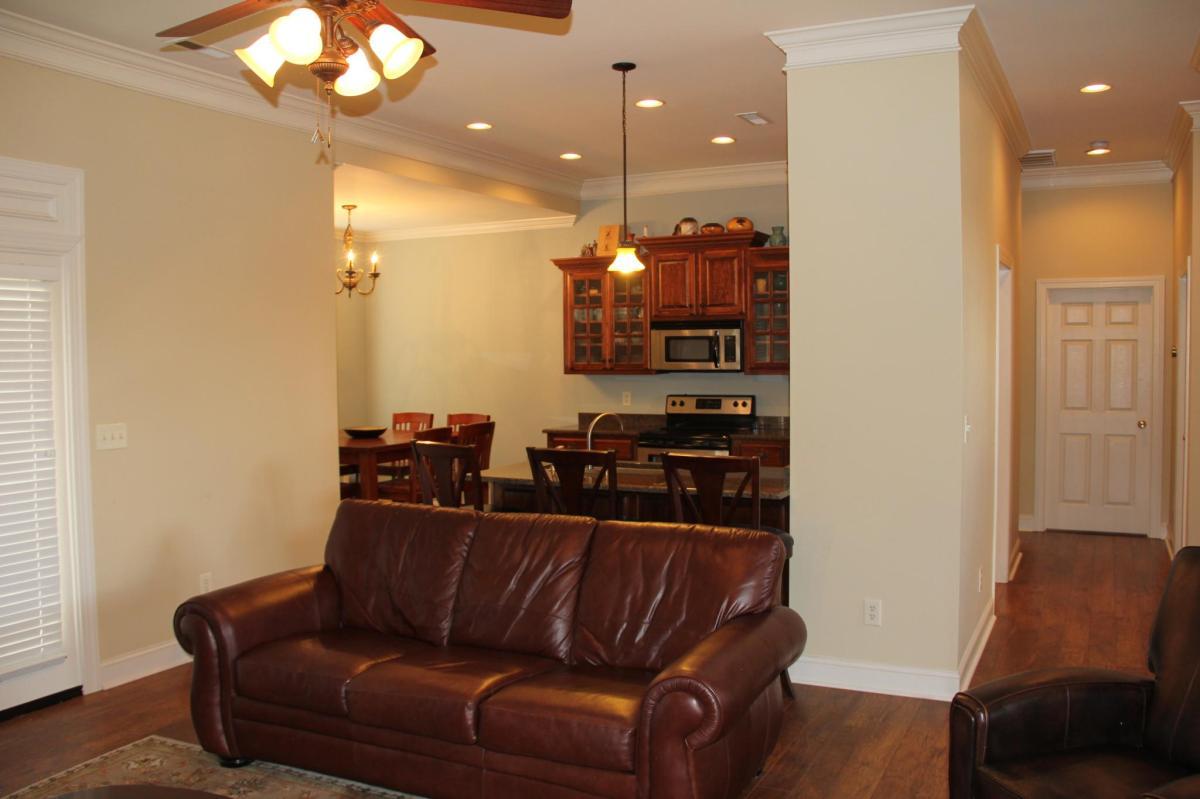 705 Hickory Avenue, Muscle Shoals, AL 35661 | HotPads