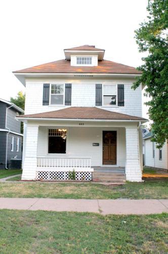603 E Avenue A Photo 1