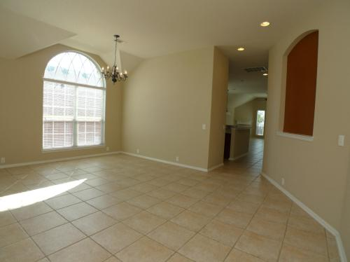 1011 Tumbling Oaks Photo 1