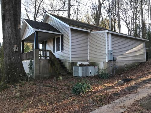 1319 Cave Spring Road #B Photo 1