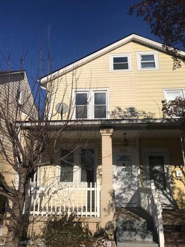 236 Woodlawn Avenue Photo 1