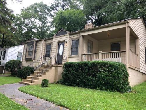 864 Pinehurst Terrace SW Photo 1