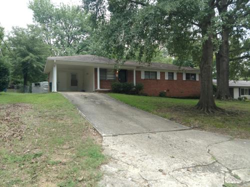 301 Cherokee Circle Photo 1