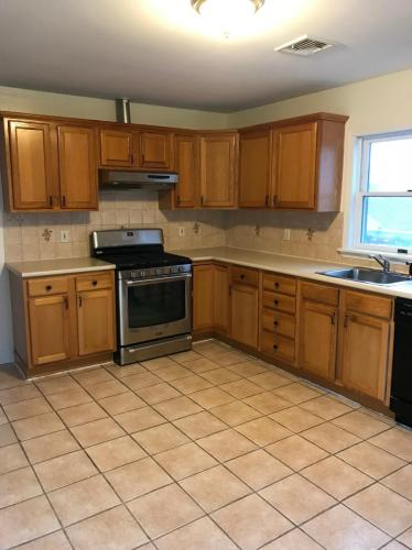 182 1st Street #2 RIGHT SIDE Photo 1