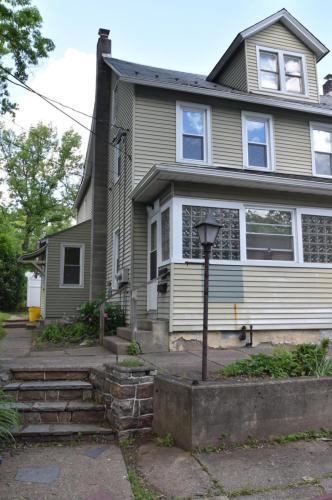 512 W Center Street Photo 1