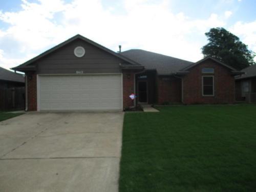 8412 Pinewood Drive Photo 1