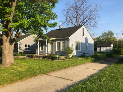 1054 Henrietta Avenue Photo 1