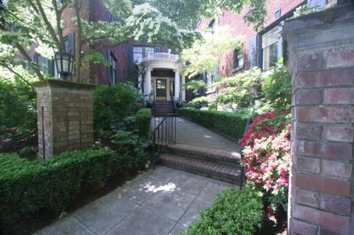 1065 E Prospect Street #203 Photo 1