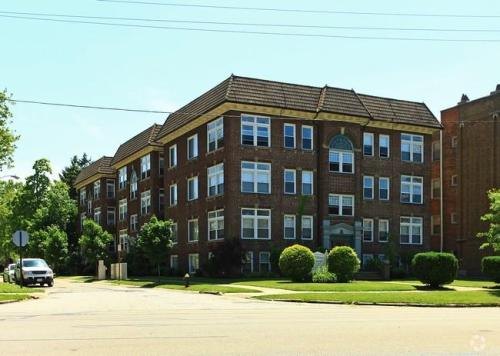 12933 Clifton Boulevard Photo 1