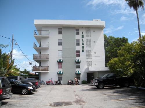 36 Island Avenue #23 Photo 1