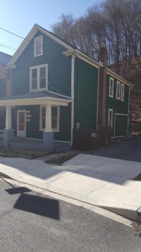 Baltimore Avenue Photo 1