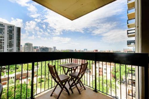 1460 N Sandburg Terrace Photo 1