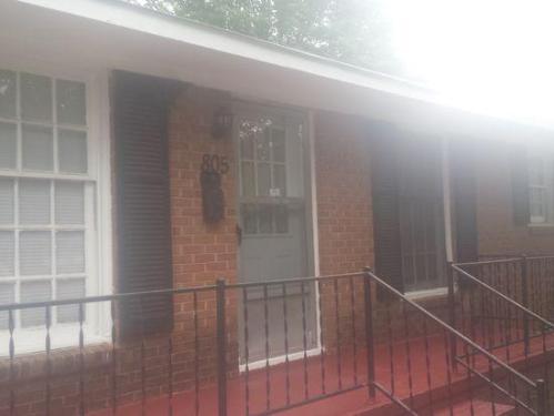 805 Steele Street Photo 1