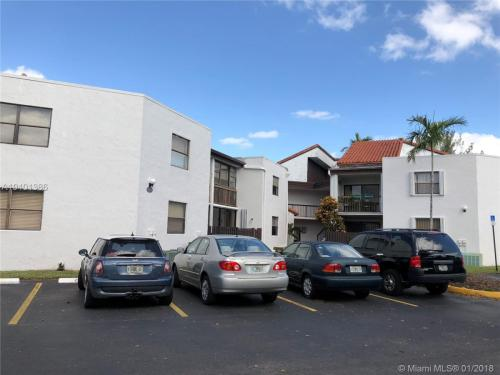 9419 NW Fontainebleau Boulevard Photo 1