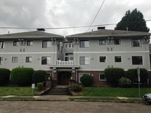 2238 NE 13th Avenue Photo 1