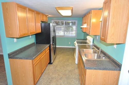 1117 1/2 Trenton Avenue 2nd Floor Photo 1